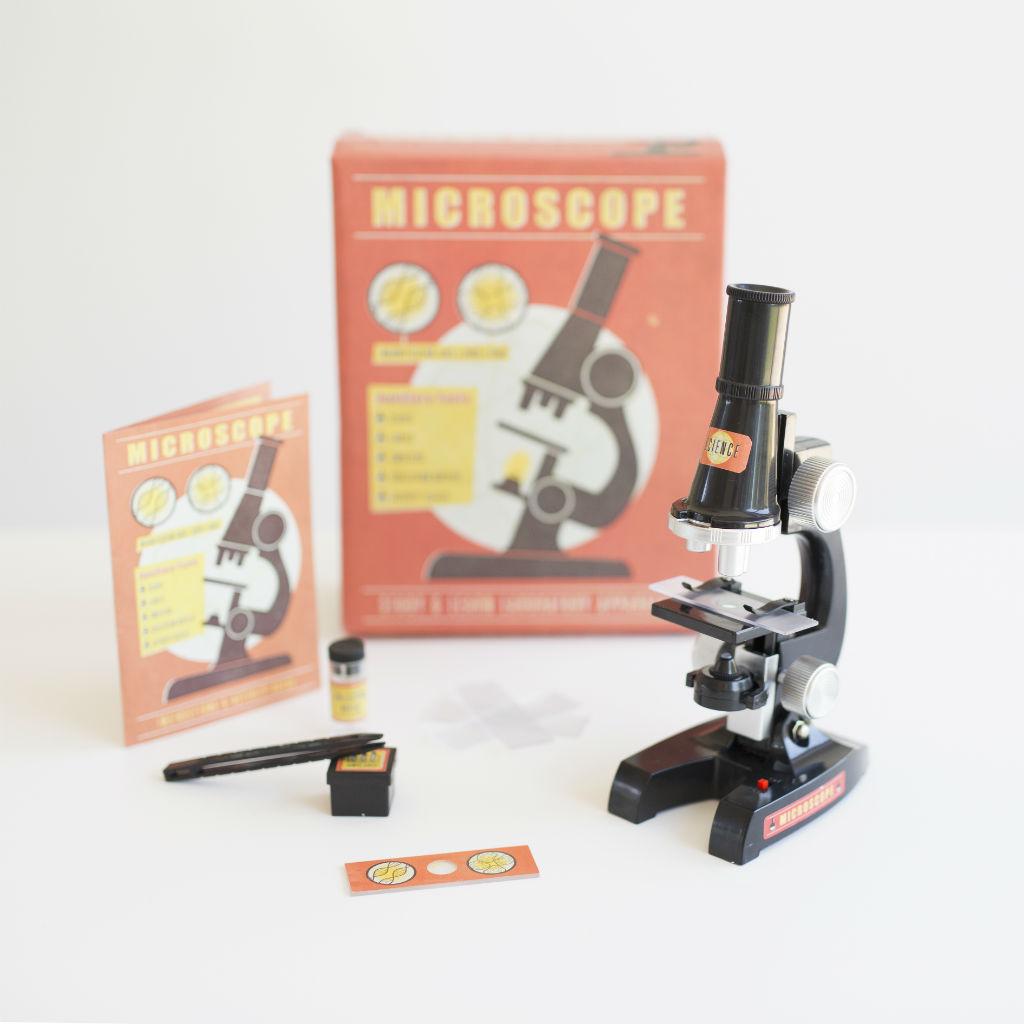 Mikroskop mladého vedátora